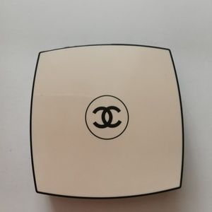 Chanel Glow-Les beiges